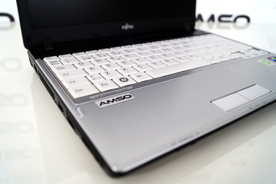 Fujitsu P701 Core i3-2310M  4GB 160GB Windows 8.1