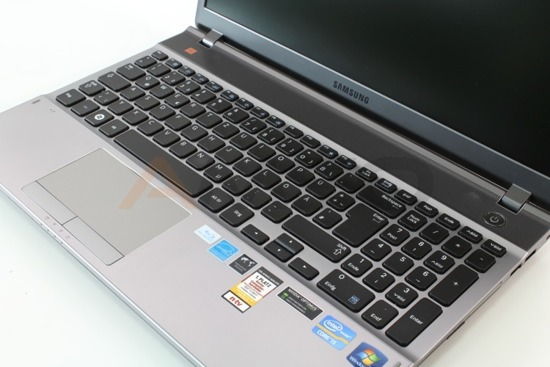 Samsung 550P i5-3210M 8GB 500GB Windows 7 Home Premium L16